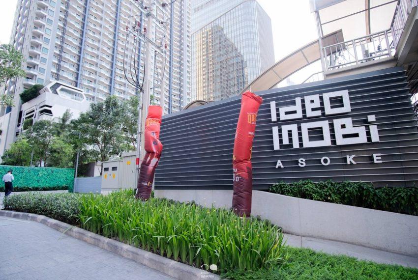 Ideo Mobi Asoke Condominium - sign