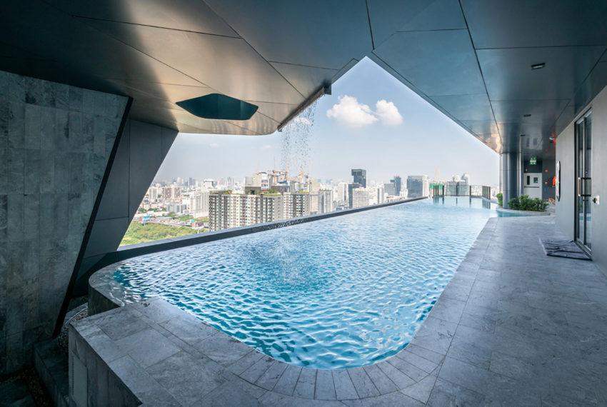 Ideo Mobi Asoke Condominium - swimming pool area