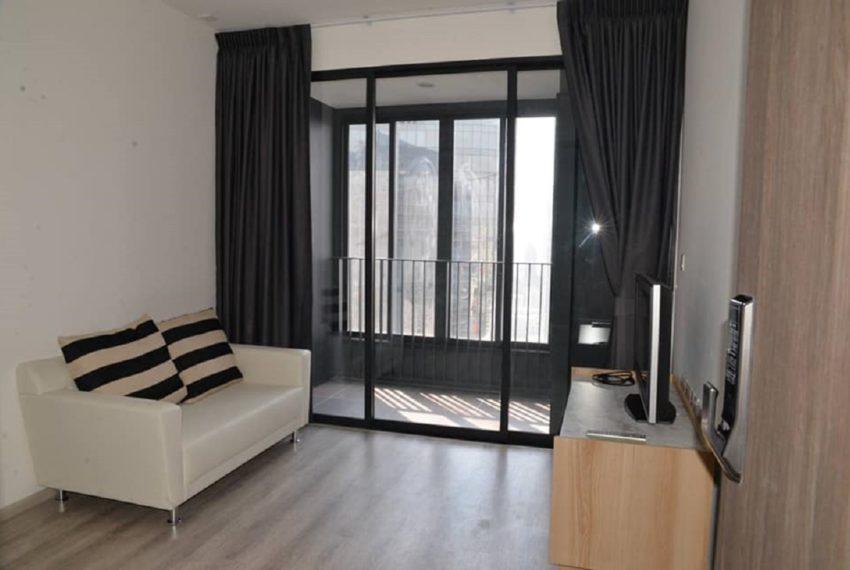 Ideo mobi asoke-livingroom-rent2