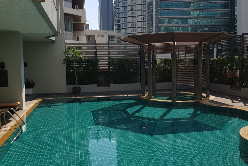 Insaf Tower 2 - swimming pool