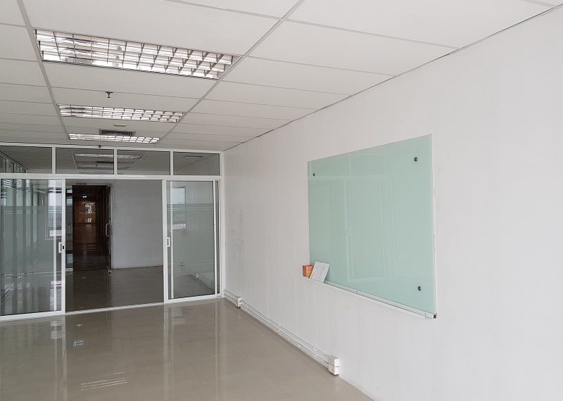 Jewelry Trade Center Bangkok office smaller room and receiption area