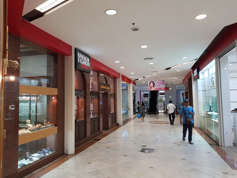 ... Jewelry Trade Center Bangkok retail area on lower floors 2 ...