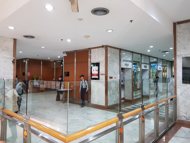 Jewelry Trade Center Bangkok security office entrance ...