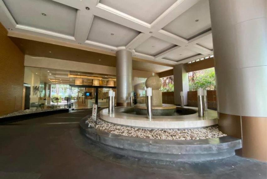 Kallista Sukhumvit 11 condominium - entrance