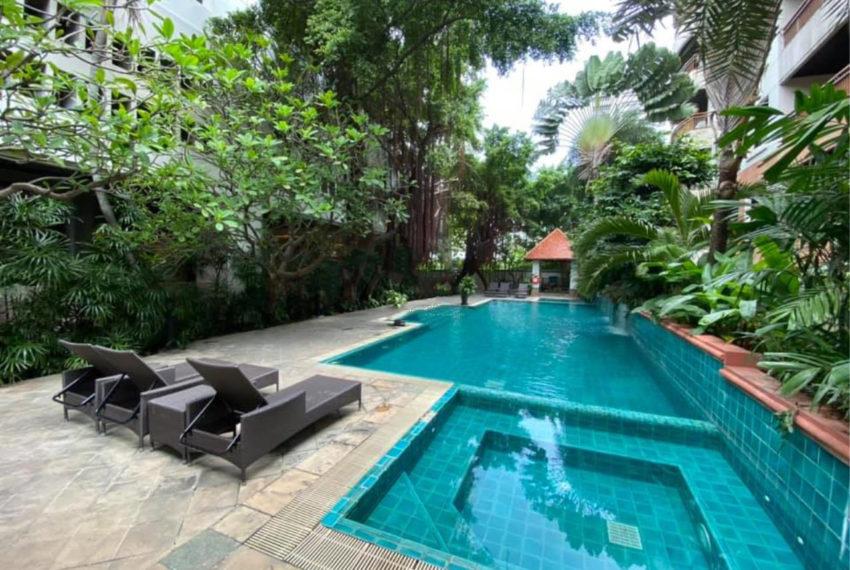 Kallista Sukhumvit 11 condominium - pool