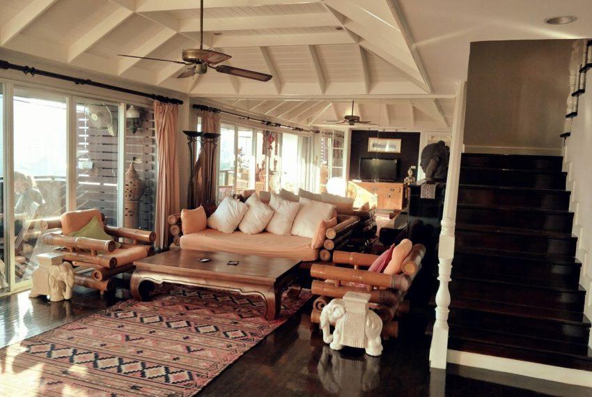 Kiarti Thanee City Mansion Duplex - living