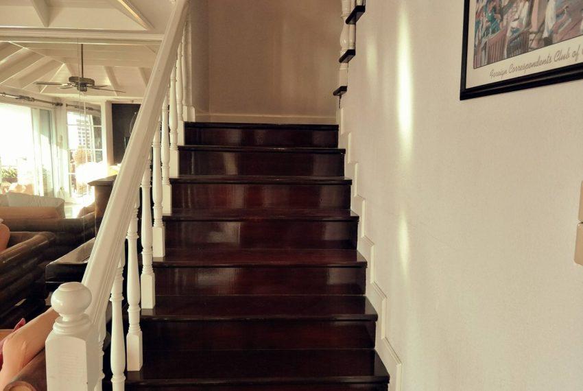 Kiarti Thanee City Mansion Duplex - stairs