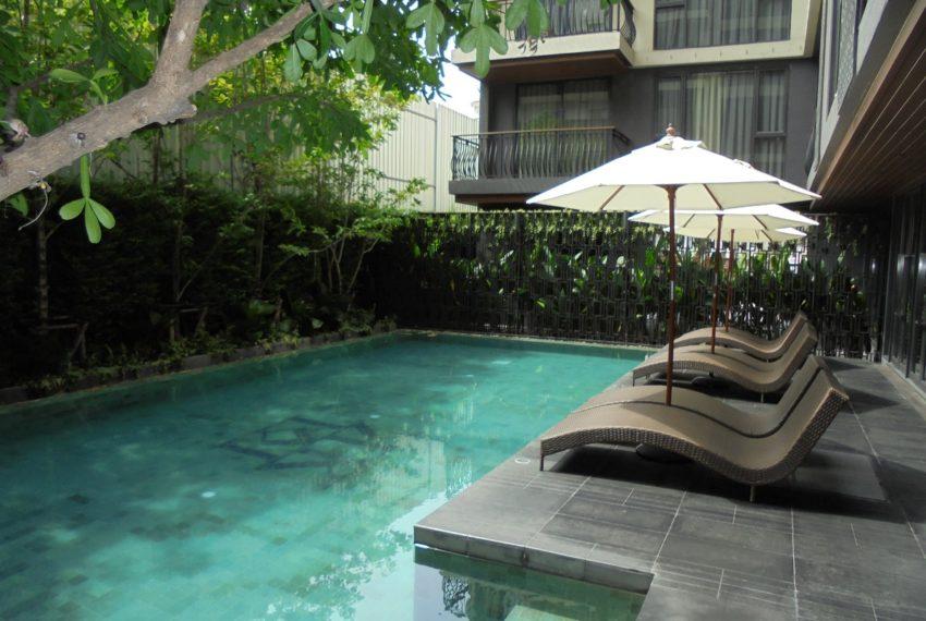 Klass Langsuan- Pool