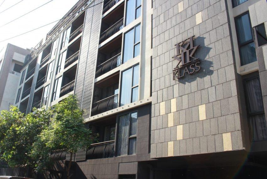 Klass Langsuan condominium - building