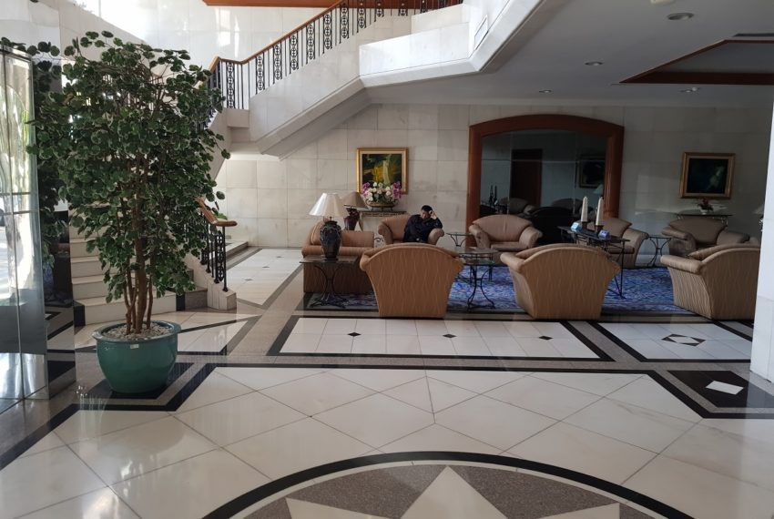 Lake Avenue Condominium Near Asoke BTS and Sukhumvit MRT- lobby
