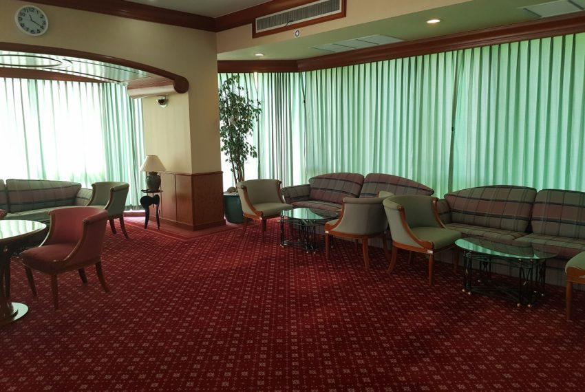 Lake Avenue Condominium Near Asoke BTS and Sukhumvit MRT- meeting room