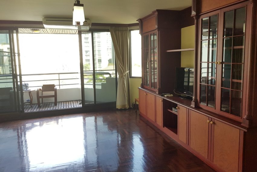 Lake Avenue Large 1 bedroom Sale - balcony