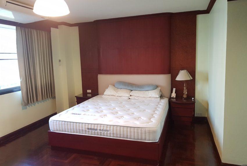 Lake Avenue Large 1 bedroom Sale - bed