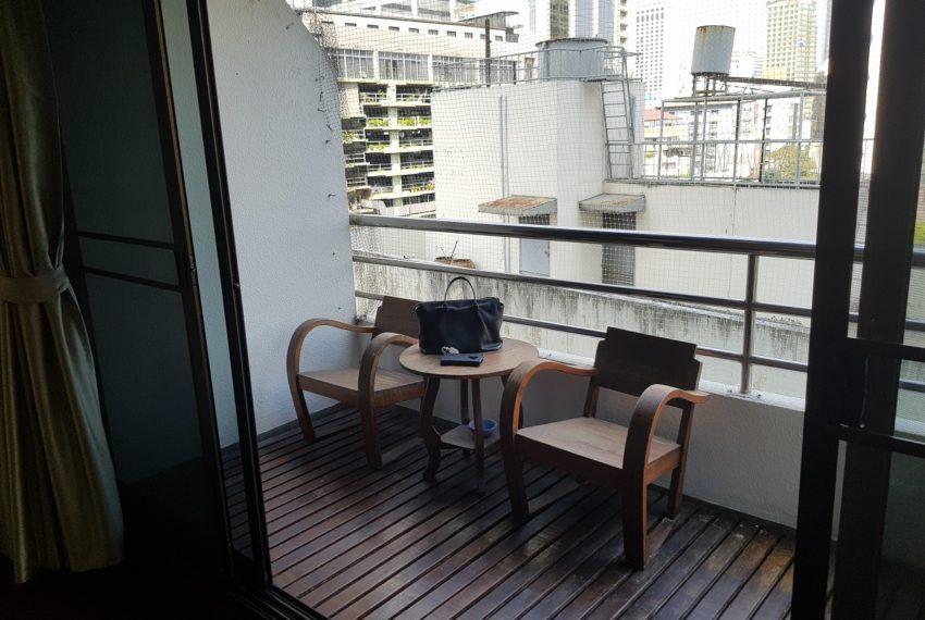 Lake Avenue Large 1 bedroom Sale - big balcony
