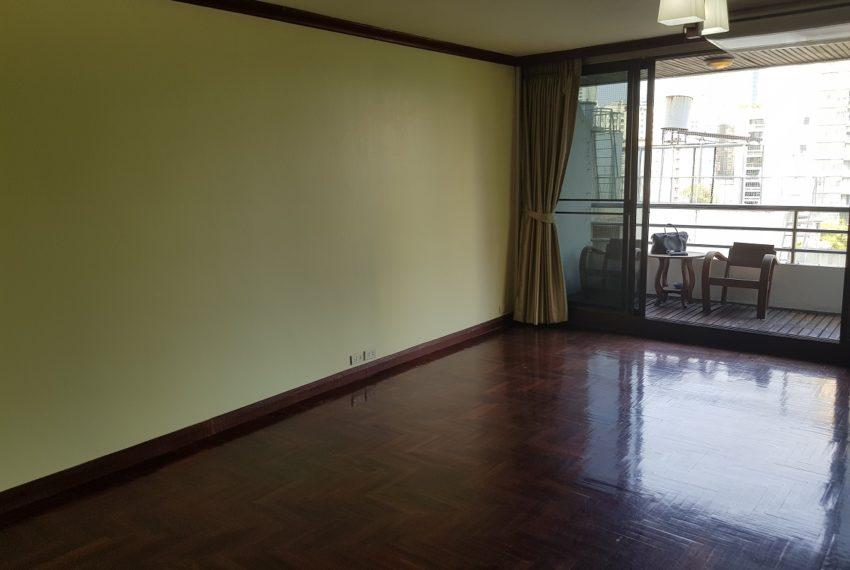Lake Avenue Large 1 bedroom Sale - unfurnished