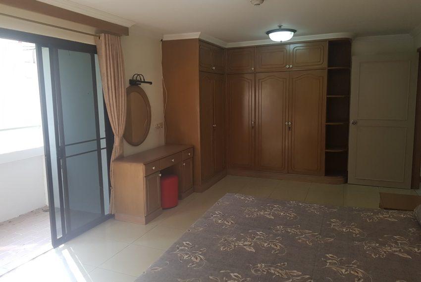 Large condo for rent 3 bedrooms low floor Prestige Towers - master bedroom 2