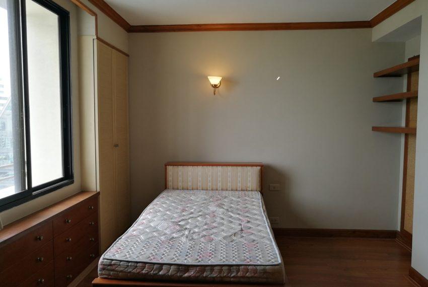 Lascolinas_2b2b_bedroom2