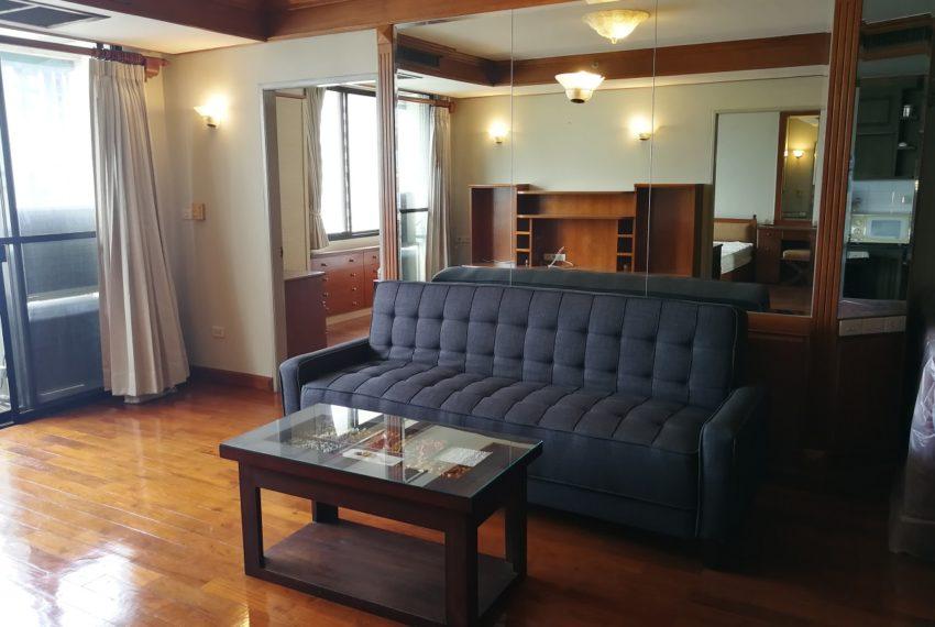 Lascolinas_2b2b_livingroom1