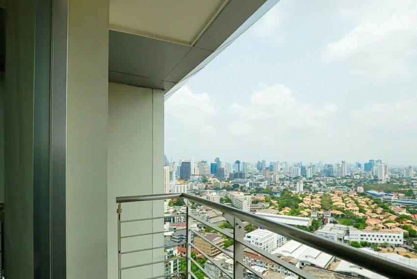 Le Luk Condominium near Phra Khanong BTS - 1bedroom-Sale - High Floor - balcony