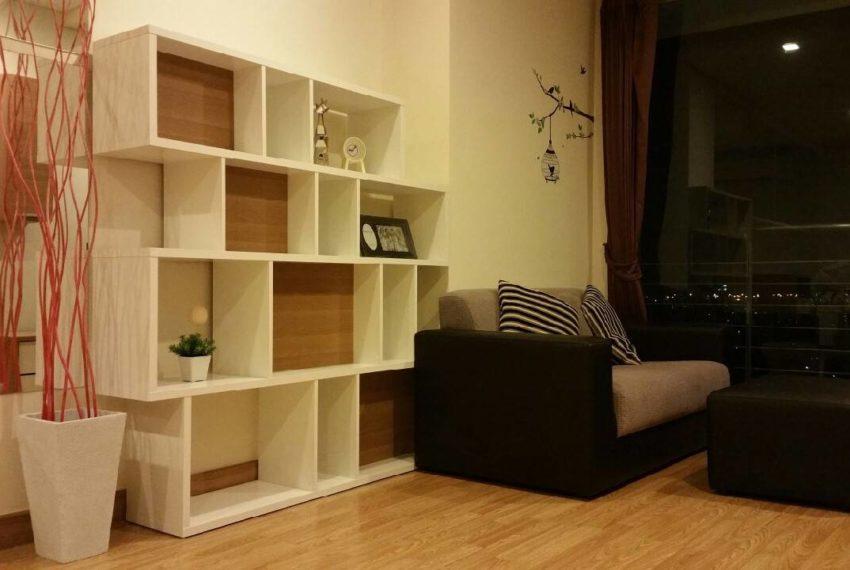 Le Luk Condominium near Phra Khanong BTS - 1bedroom-Sale - High Floor - living