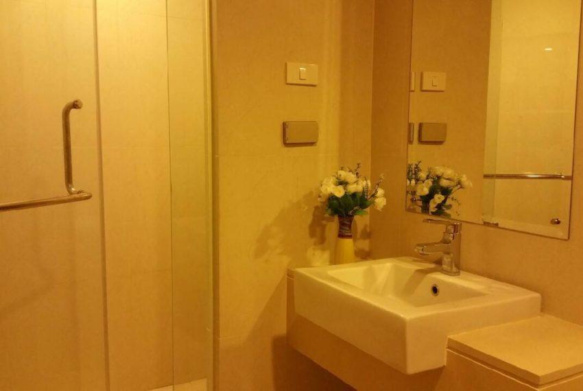 Le Luk Condominium near Phra Khanong BTS - 1bedroom-Sale - High Floor - toilet