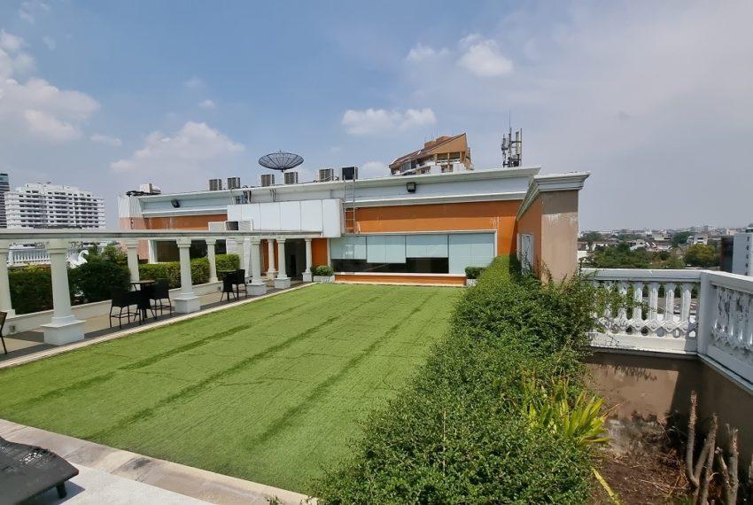 Le Nice Ekamai - rooftop garden