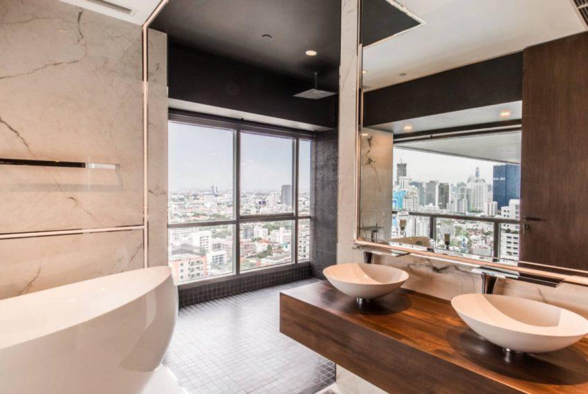 Le Raffine 39 - duplex -sale - bathroom