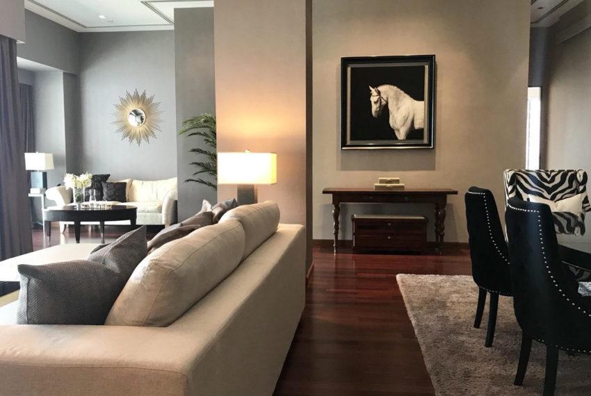 Le Raffine Jambu Dvipa Sukhumvit 39 - 2bed-3bath-2working - sale - living room