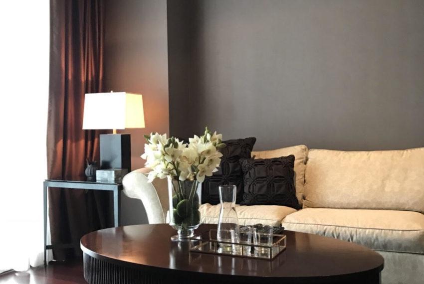 Le Raffine Jambu Dvipa Sukhumvit 39 - 2bed-3bath-2working - sale - sofa