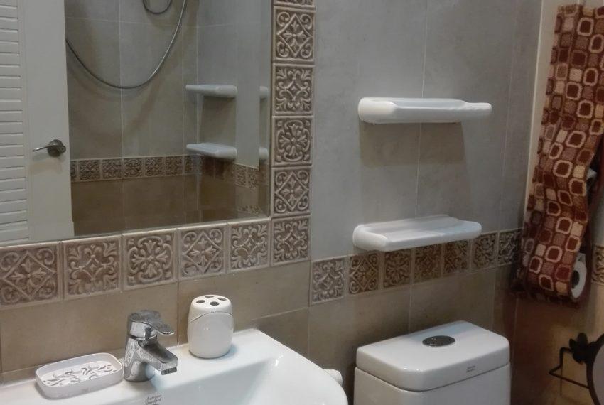 Leo House SK 22-bathroom-Sale