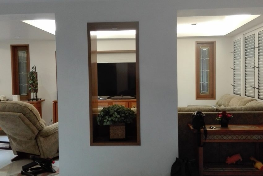 Leo House SK 22-living rrom11-Sale