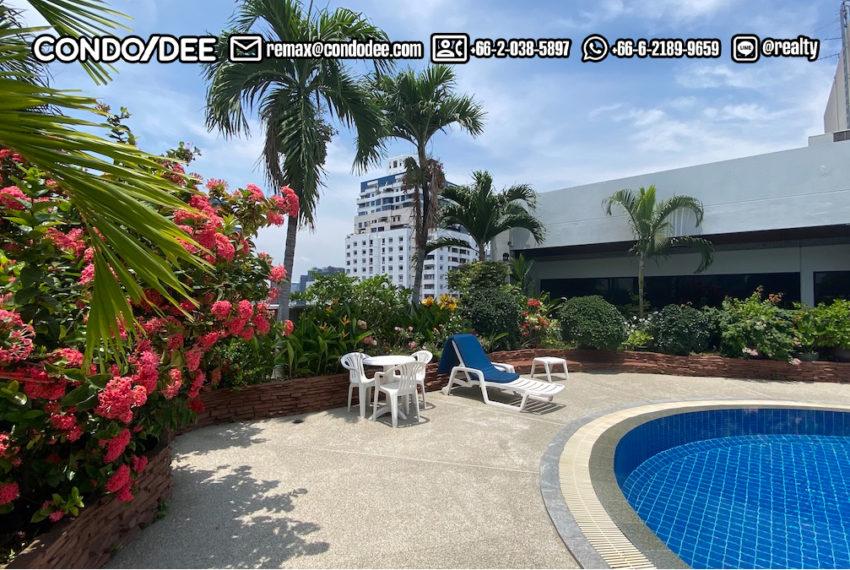 Libert Park 2 Sukhumvit 11 condo - pool area