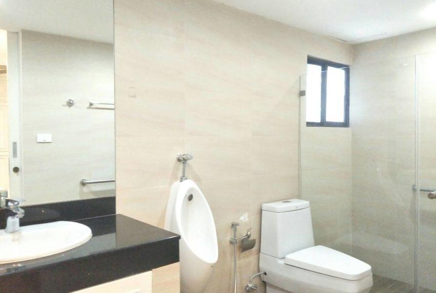 Liberty Park1-sale-bathroom
