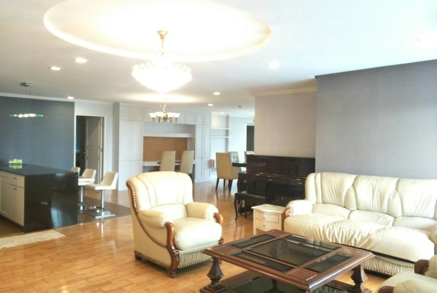 Large condo for sale in Asoke with pool view - 3-Bedroom - Liberty Park 1 - Low Floor