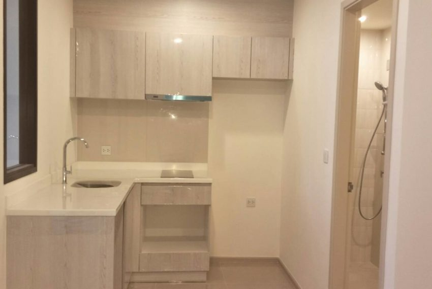 Life-Asoke-1b1b-low-floor-sale-Kitchen