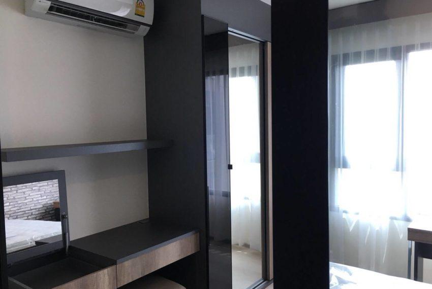 Life Asoke-bedroom2