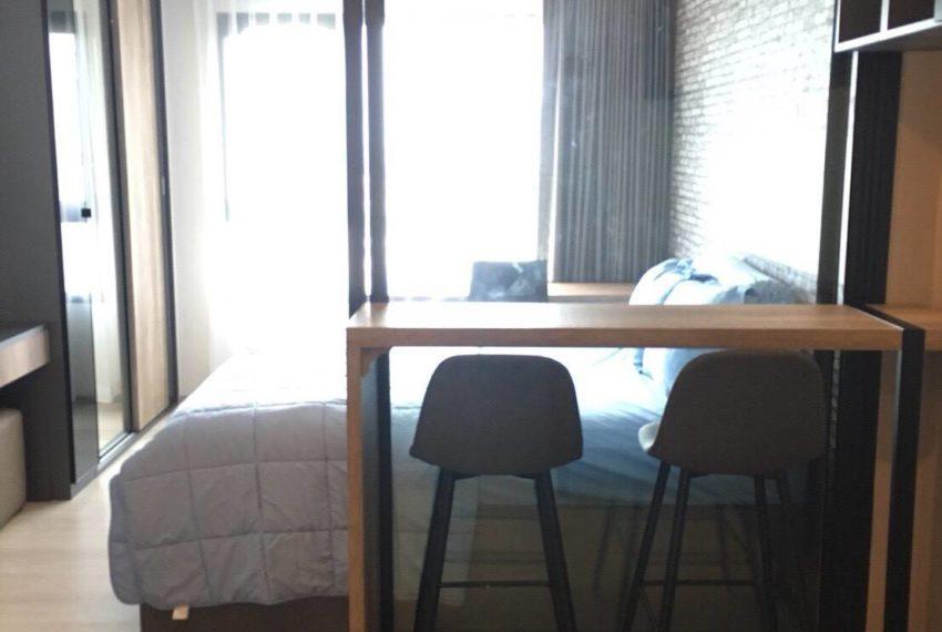 Life Asoke-livingroom