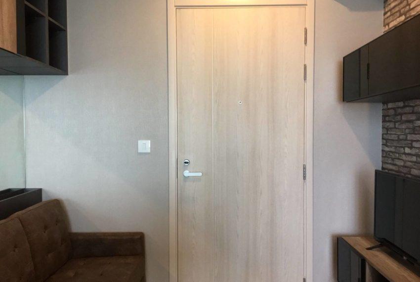 Life Asoke-livingroom1
