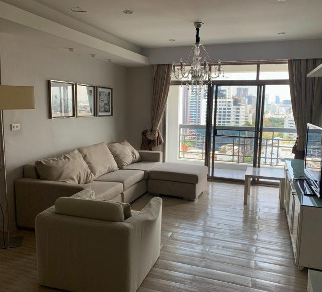 3-balcony 3-bedroom apartment for rent - mid-floor - Royal Castle Sukhumvit 39