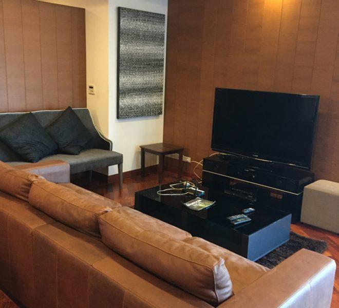 Large condo for sale near BTS Ekkamai - 3 bedroom - mid-floor - Nusasari Grand