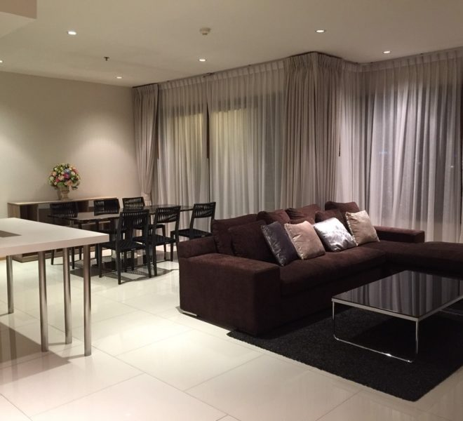 Large condo in Prompong for sale - 2-bedroom - high floor - The Emporio Place