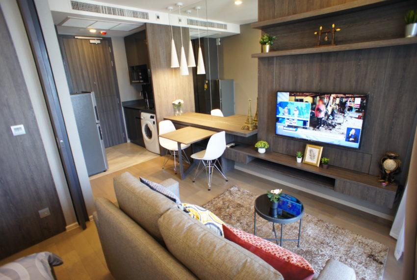 Flat for Rent near Sukhumvit MRT - High Floor in Ashton Asoke - New Condo
