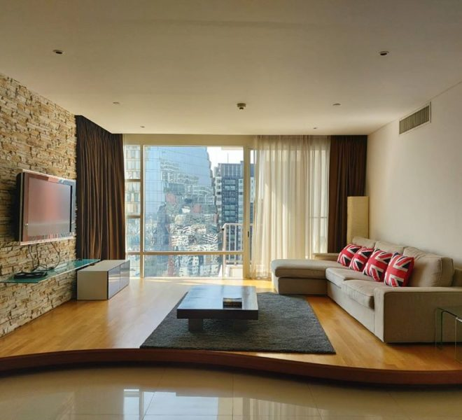 Best deal 3-bedroom apartment in Sukhumvit - high floor - 150 m BTS - Fullerton condominium
