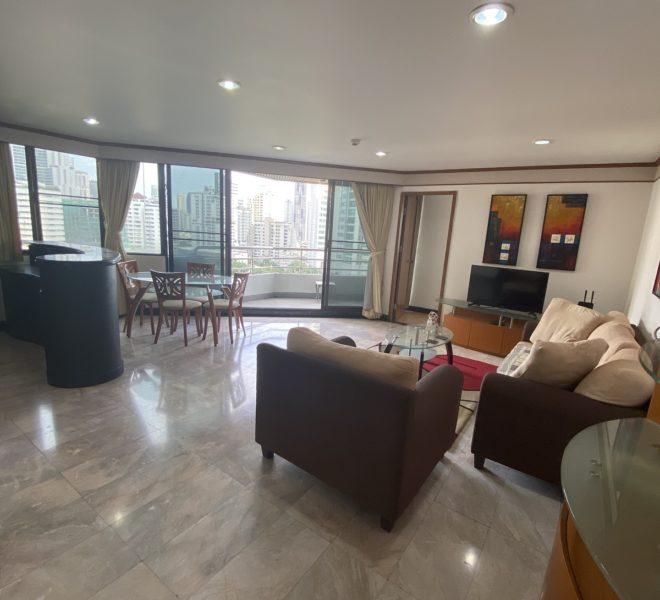 Large 2-bedroom condo near Asoke BTS - mid-floor - corner unit - nice view - Lake Avenue