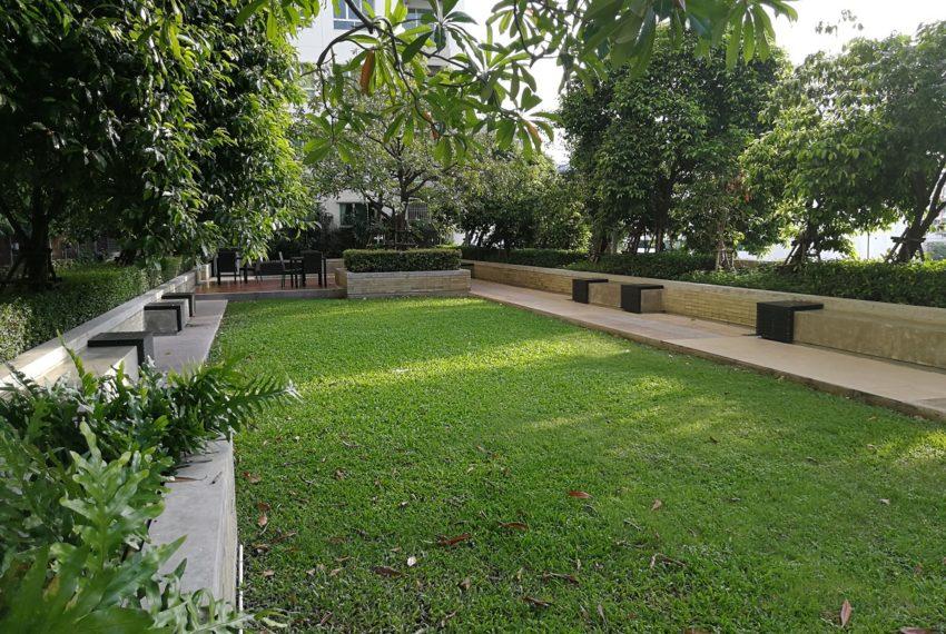 Lumpini Place Rama 9 Ratchada - garden area