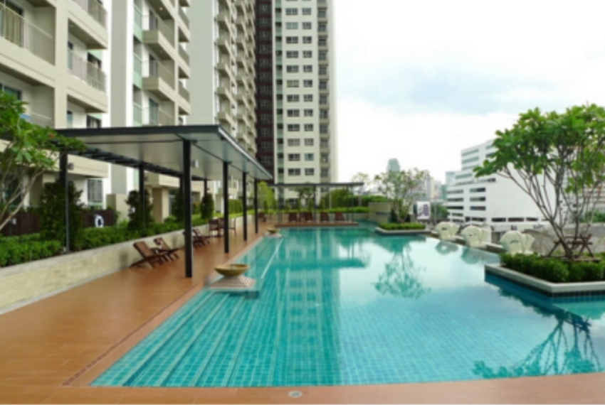 Lumpini Place Rama 9 Ratchada - swimming pool