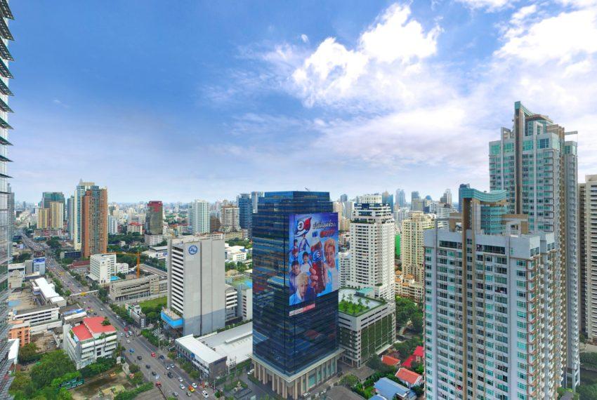 Lumpini Suite Makkasan - Asoke Phetchaburi road view