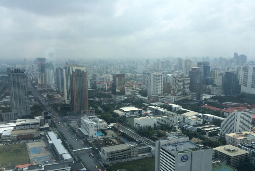 Lumpini Suite Makkasan - city view 2