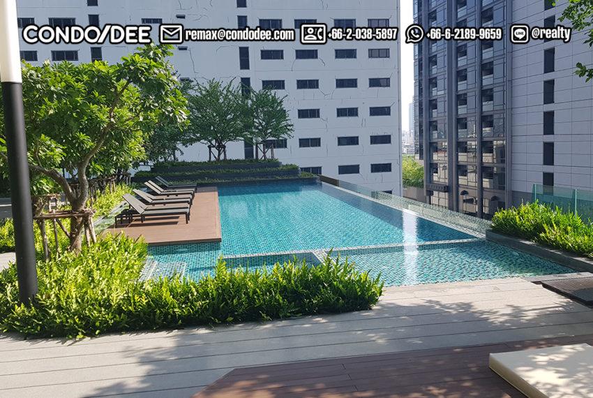 Lumpini Suite Phetchaburi-Makkasan - pool area
