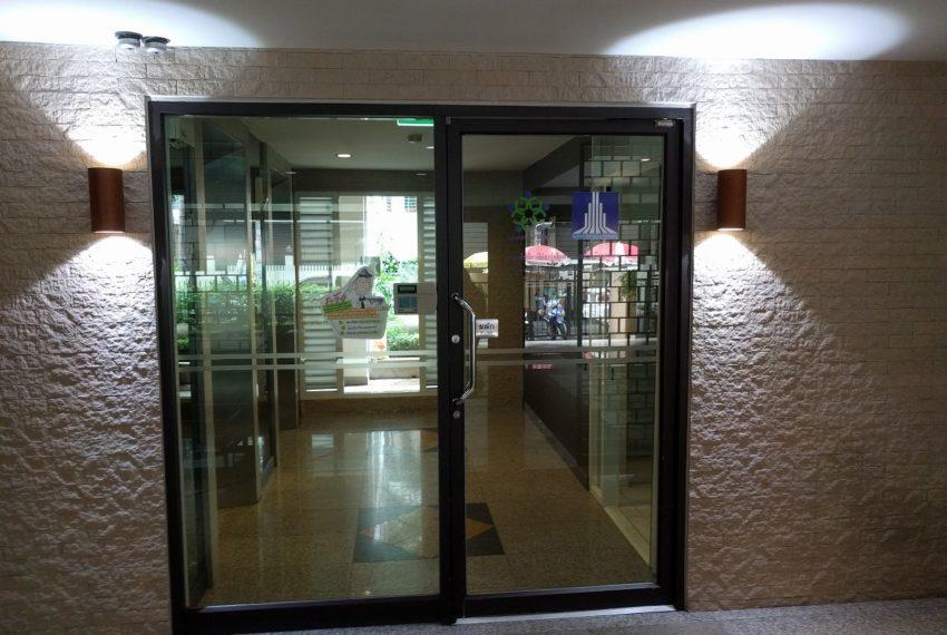 Lumpini Suite Sukhumvit 41 entrance door - Copy